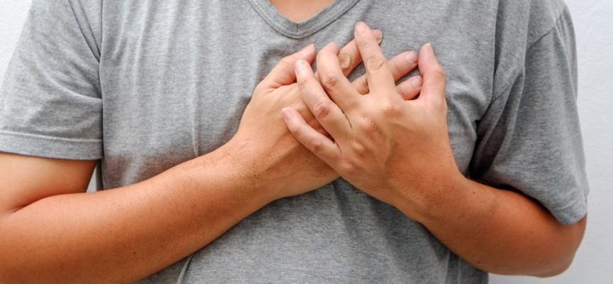 Imagem do post Dor no peito é sempre sinal de infarto? Saiba o que mais pode manifestar esse sintoma
