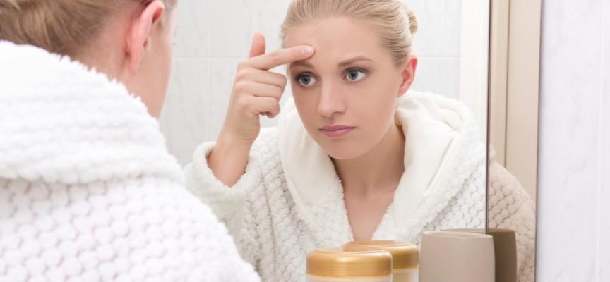 Imagem do post Quais são os fatores que levam ao aparecimento das manchas no rosto? Uma dermatologista tira suas dúvidas