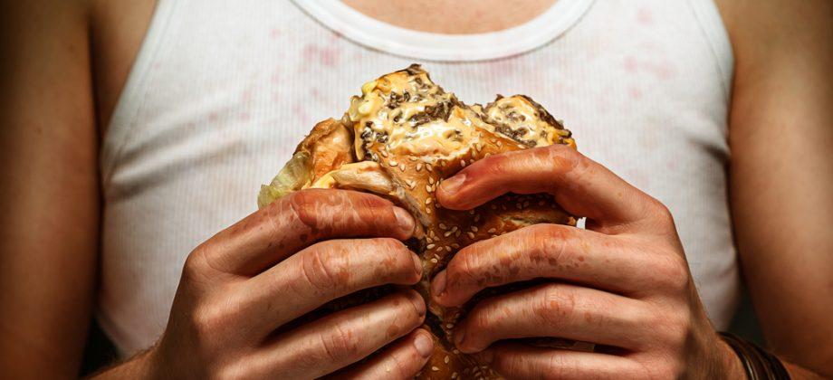 Imagem do post A alimentação pode influenciar na oleosidade da pele?