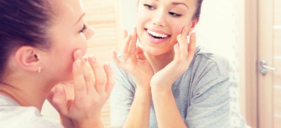 Imagem do post Extrato de algas vermelhas: Conheça mais sobre as propriedades desse ativo que ajuda a reduzir manchas na pele