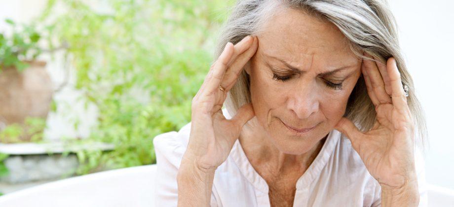 Imagem do post Sinais audiovisuais e dor de cabeça: conheça alguns sintomas da osteoartrite cervical