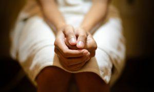 Como é feito o tratamento para as hemorroidas?