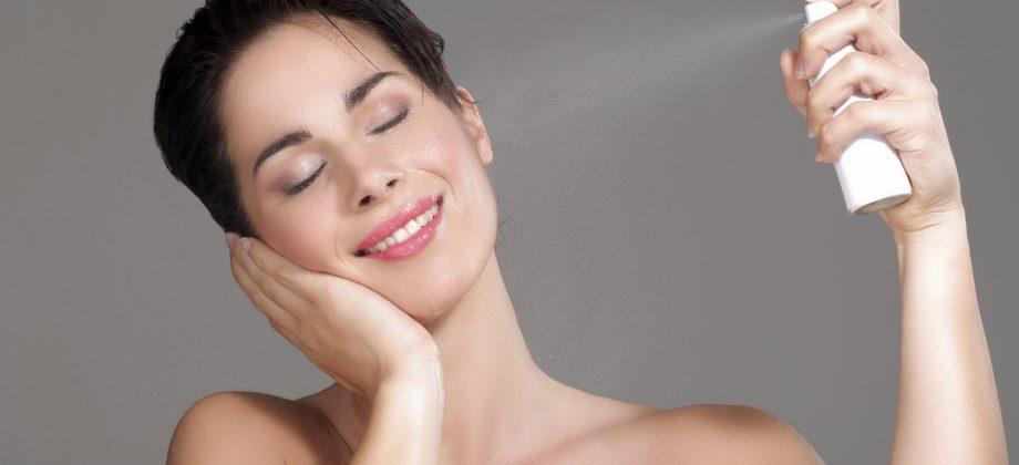 Imagem do post Quais os efeitos positivos da água dermatológica na pele irritada?
