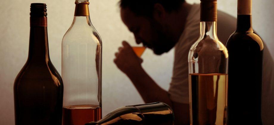 Imagem do post O consumo de álcool em excesso pode prejudicar a absorção do cálcio?