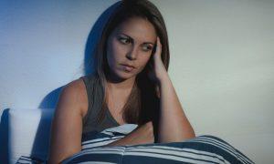 Por que acordar várias vezes à noite é prejudicial à qualidade do sono?