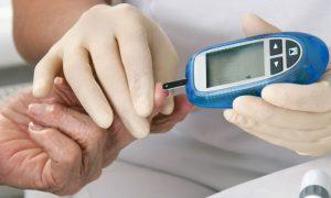 O diabetes sob controle ainda oferece riscos para a saúde do paciente?