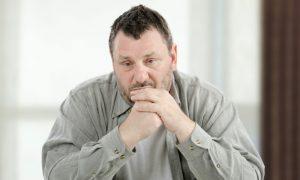 De que formas a ansiedade moderada pode ser prejudicial?