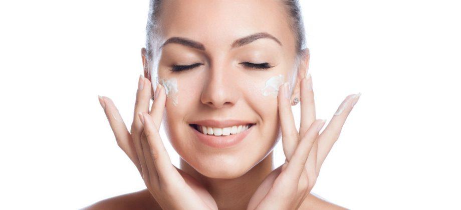 Imagem do post Clareadores: dermatologista explica como potencializar o uso desses produtos