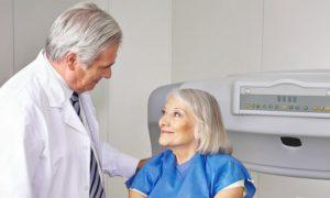 A osteoporose afeta a cicatrização dos ossos ou apenas a resistência deles?