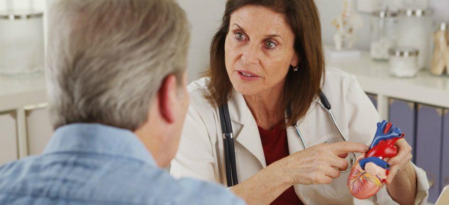 Imagem do post Por que a interrupção de tratamento oferece riscos maiores para hipertensos?