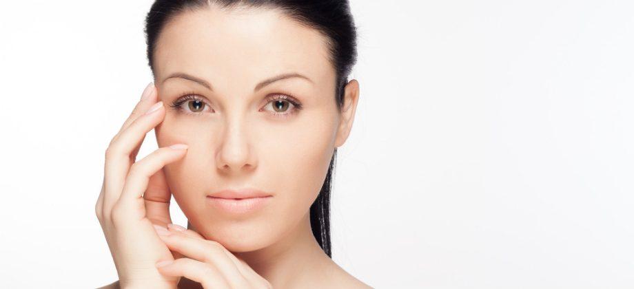 Imagem do post Como a vitamina C auxilia no processo de clareamento de manchas na pele?