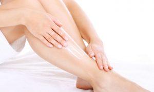 Por que as varizes deixam a pele das pernas com aspecto seco e esticado?