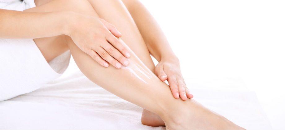 Imagem do post Por que as varizes deixam a pele das pernas com aspecto seco e esticado?