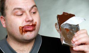 O diabético pode comer alimentos açucarados com moderação ou é proibido?