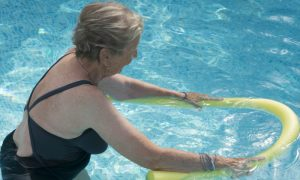 Você sabia que hidroginástica fortalece a musculatura e os ossos?