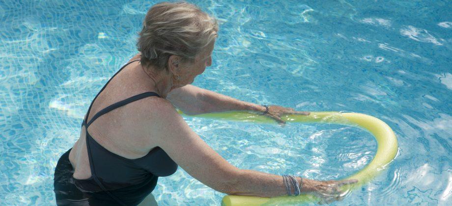 Imagem do post Você sabia que hidroginástica fortalece a musculatura e os ossos?