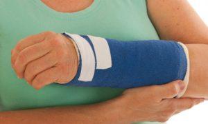 Osteoporose: é preciso fazer cirurgias para tratar fraturas em ossos frágeis?
