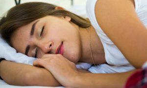 Tirar cochilos no meio da tarde pode prejudicar o sono durante a noite?