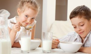 Existe alguma hora do dia ideal para consumir cálcio?