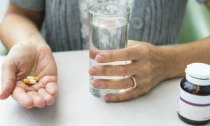 O que faz os pacientes aderirem aos tratamentos prescritos por médicos?