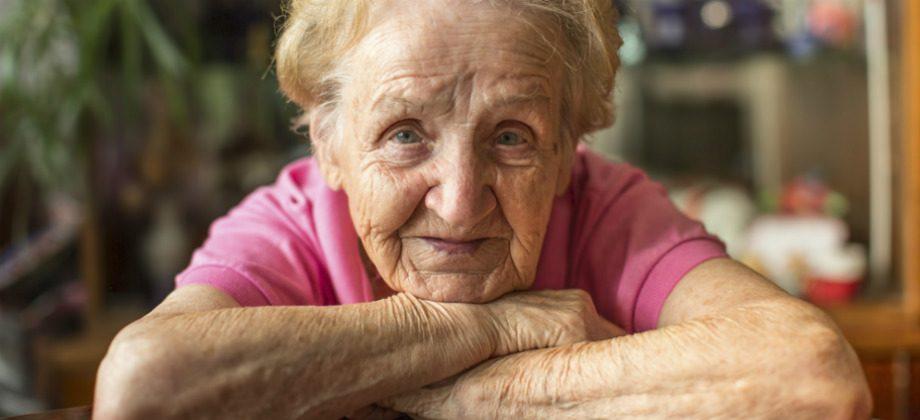 Imagem do post Por que idosos caucasianos costumam ter manchas escuras na pele?