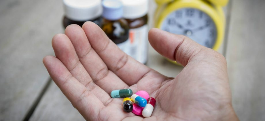 Imagem do post Respeite os intervalos: por que os remédios têm posologias diferentes?