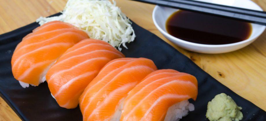 Imagem do post Comida japonesa: quem sofre com hipertensão deve evitar o molho shoyu?