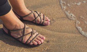 Caminhar na areia é um exercício saudável para tratar as varizes?