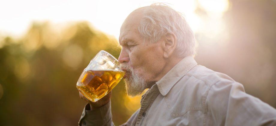 Imagem do post O consumo excessivo de bebidas alcoólicas é um fator de risco para a hipertensão?