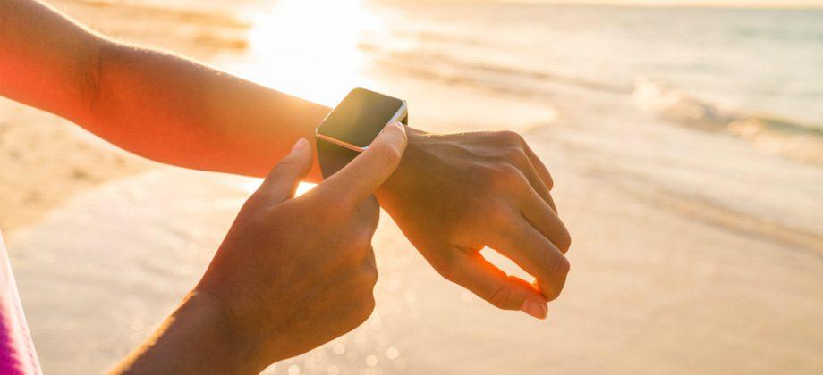 Imagem do post Quais são os melhores horários para pegar sol na praia e na piscina?