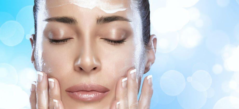 Imagem do post Quantas vezes é preciso hidratar a pele em um dia quente de verão?