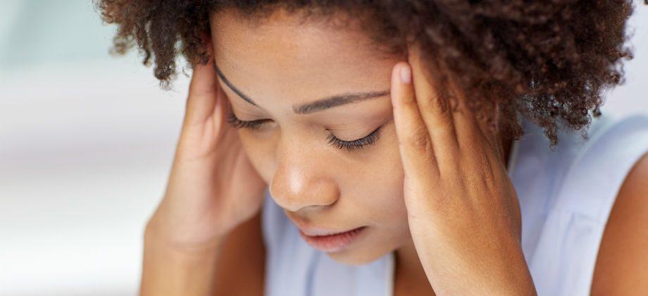 Imagem do post Dor de cabeça: sintoma da síndrome do pânico muda rotina de professora no Paraná