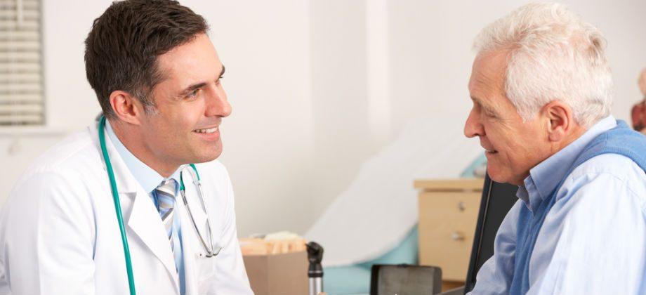 Imagem do post Qual é a melhor forma do médico ganhar a confiança do paciente em um tratamento?