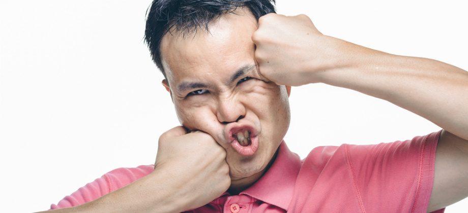 Imagem do post TOC: Existem manias que podem causar lesões corporais nas pessoas?