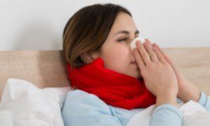 Além de vírus, quais organismos podem se aproveitar da baixa imunidade?