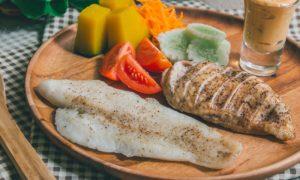 Peixe x frango: Qual dessas duas carnes é mais benéfica para quem tem hipertensão?