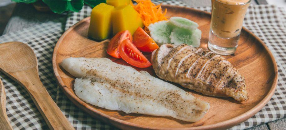 Imagem do post Peixe x frango: Qual dessas duas carnes é mais benéfica para quem tem hipertensão?