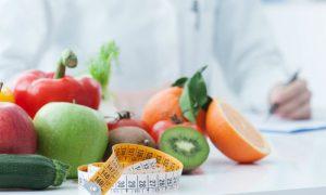 Qual é a diferença entre um nutricionista e um nutrólogo?