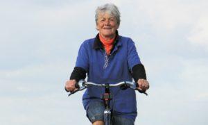 Qual é a importância das atividades físicas para a saúde das articulações?