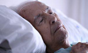 Por que a confusão e sonolência são sintomas graves para pacientes com DPOC?