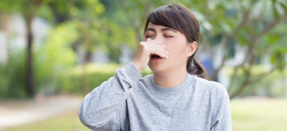 Imagem do post Aspirar o excesso de muco no nariz pode provocar pneumonia?