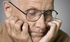 O mal de Alzheimer tem cura? Especialista explica tratamento!