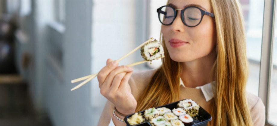Imagem do post Comer rápido faz mal! Mastigar bem os alimentos ajuda a emagrecer