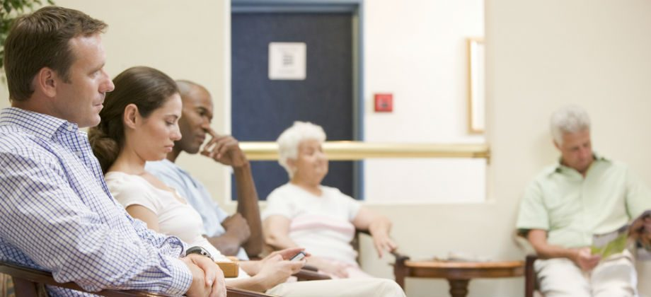 Imagem do post Fila de espera: Como os médicos devem lidar com essa queixa constante de pacientes?