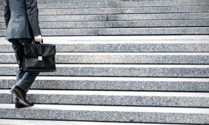 Subir escadas ou caminhar para o trabalho podem ajudar a manter a saúde do coração?