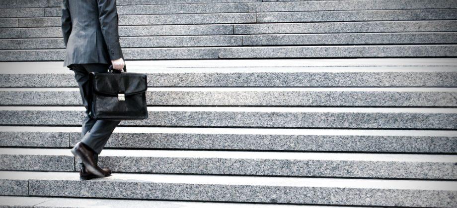 Imagem do post Subir escadas ou caminhar para o trabalho podem ajudar a manter a saúde do coração?