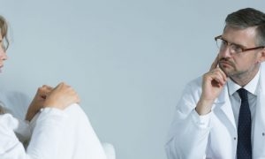 Esquizofrenia: Pacientes podem ter recaídas mesmo seguindo o tratamento à risca?