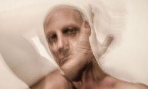 Quais são os tipos de surto da esquizofrenia?