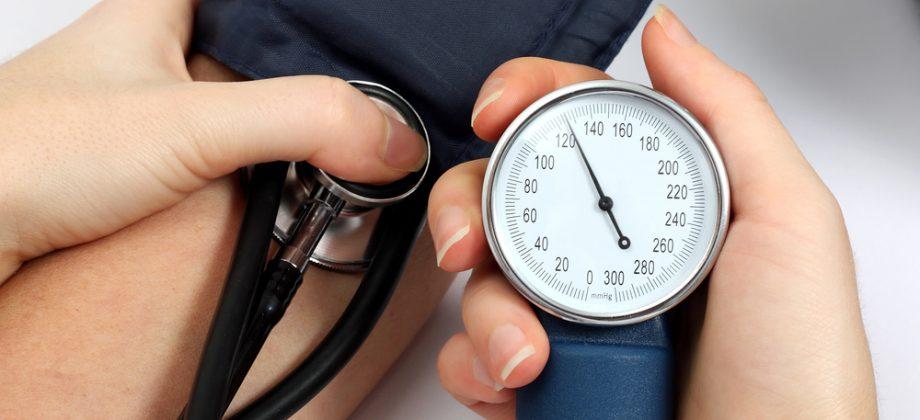 Imagem do post Sem sintomas, professora aposentada descobre que é hipertensa em consulta de rotina