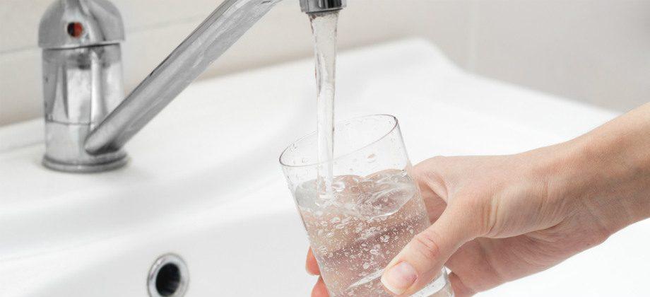 Imagem do post Cuidado com a água: É seguro beber água da torneira no Brasil?
